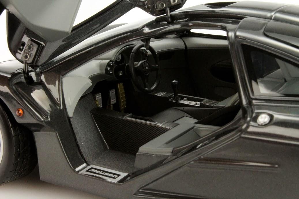 mclaren f1 roadcar von minichamps im maßstab 1:18 | modellauto news