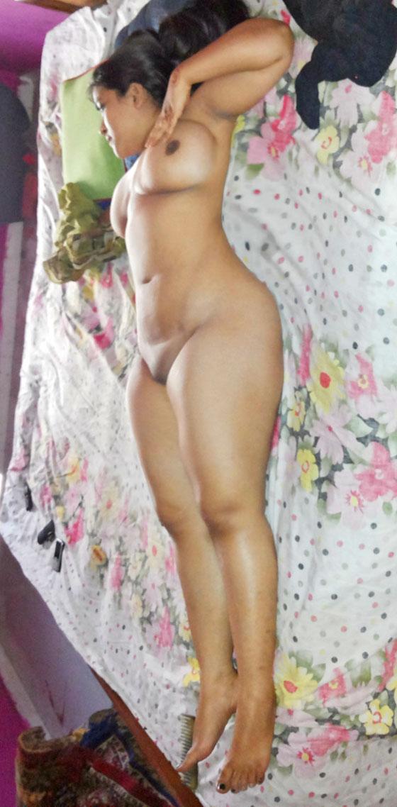 Nangi Moti Doodh Wali Aunty Nude Gand Xxx Porn Pics
