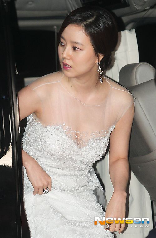 Moon Chae Won (문채원) at the 2013 KBS Acting Awards red carpet ceremony held at KBS Main Building in Yeouido-dong, Yeongdeungpo-gu, Seoul at 6:30 pm on 31 December 2013.