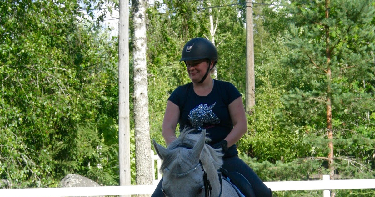 Riding exercise of the month: serpentines and figure of 8s