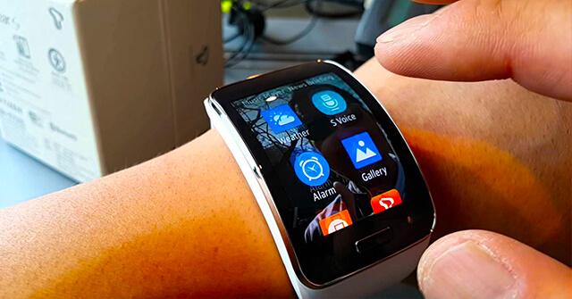 ساعة Sasmsung Gear X الجديد الأولى في العالم بتقنية قياس ضغط الدم
