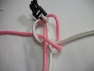 How to Make a Two Color Cobra Knot Paracord Bracelet