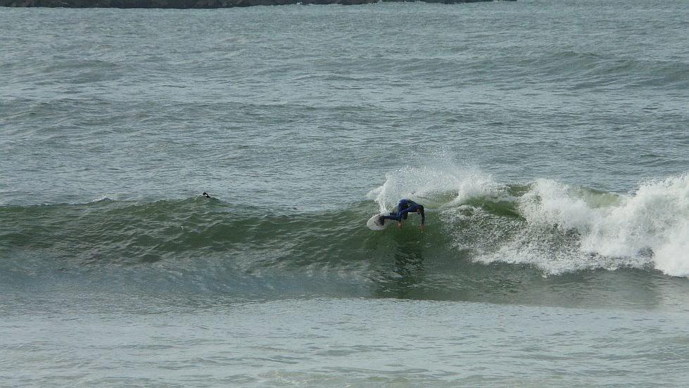 surf en el puerto viejo algorta jefris 07