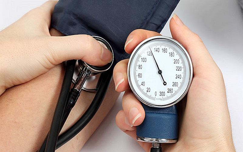 Alta Repentina da Pressão Arterial: Causas, Sintomas e Dicas de Prevenção