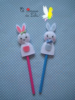 conejo-pascua-marioneta-dedo-felt-fieltro-bunny-elbosquedelulu-pascoa-hechoamanoparati
