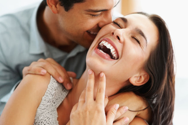 """10 Types Of Ladies That Are In Relationships But Still Sleep Around"""""""