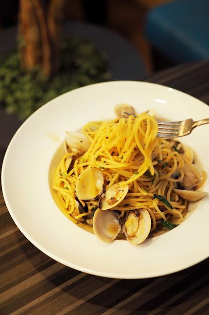 clam pasta in singapore
