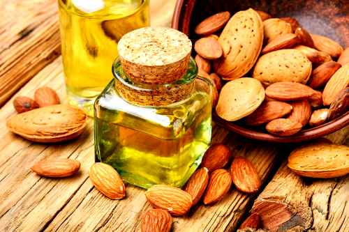 8 amazing Benefits of Almond Oil for Skin