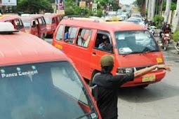 Kearifan Lokal, Jangan Sampai Berkelahi Gara-Gara Memberhentikan Angkutan Umum Pakai Tangan Kiri