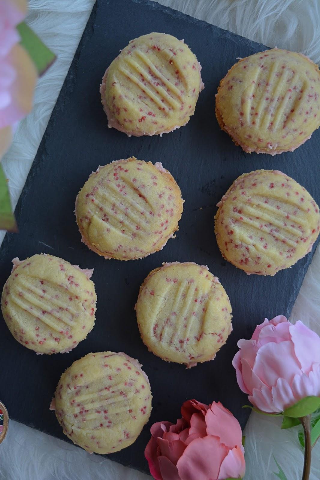 shortbread, cookies, raspberry, buttercream