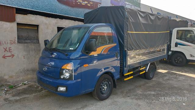 Hyundai 1,5 tấn H150 thùng bạt xanh