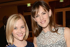 Jennifer Garner and Reese Witherspoon at a charity even