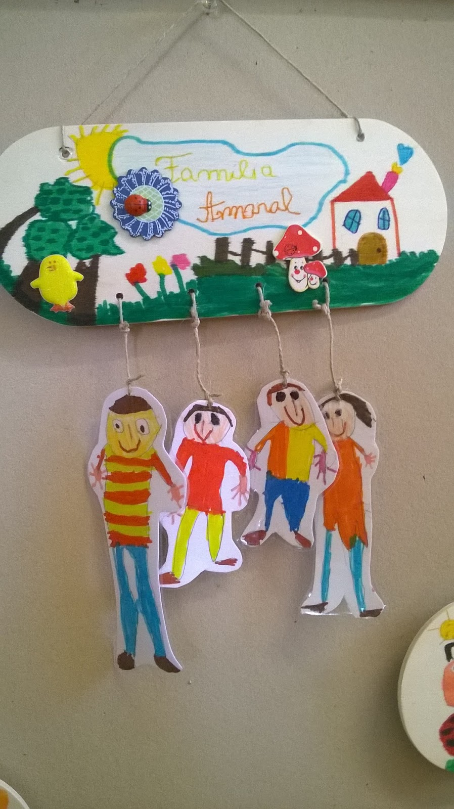 Hora de brincar e de aprender for Family arts and crafts