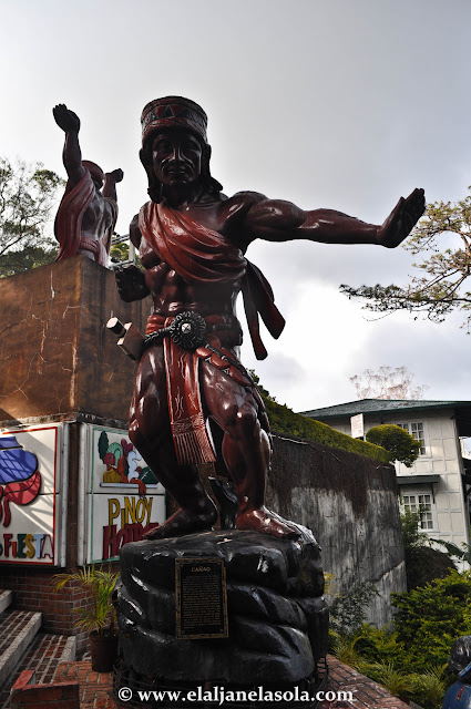 Statue at Barrio's Fiesta