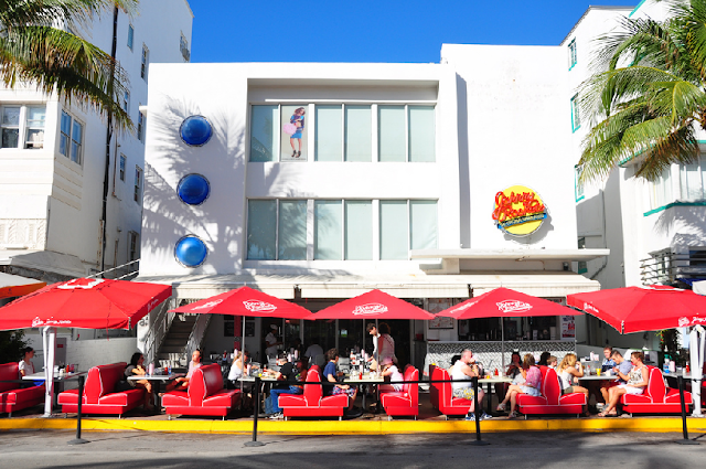 Johnny Rockets na Ocean Drive em Miami