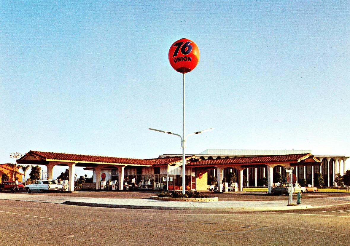 Pleasant Family Shopping The Golden Age Of Gas Stations