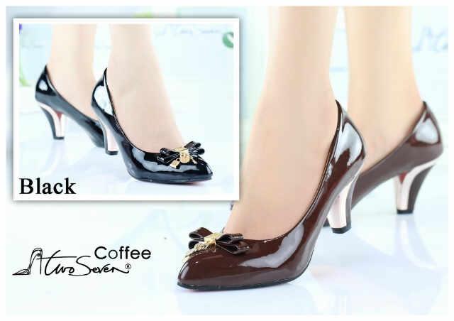 Aneka Model Sepatu Paling Baru Untuk Wanita Moderen Abad 21 ... 7ac74bcd27