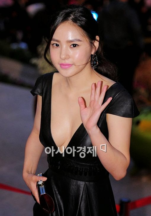 Min Hyo Rin (민효린) - 2010 Korea Drama Festival red carpet opening ceremony on 02 October 2010 at Gyeongnam Art Center