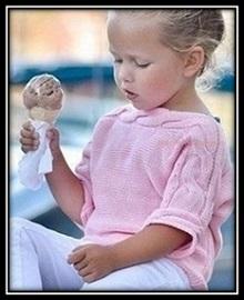 detskoe vyazanie pulover dlya devochki svyazannii spicami so shemoi i opisaniem (60)