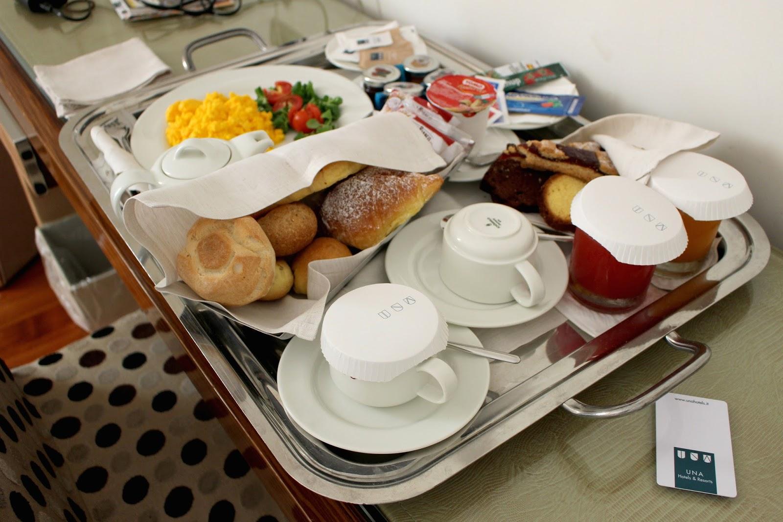 Una Hotel Roma Breakfast