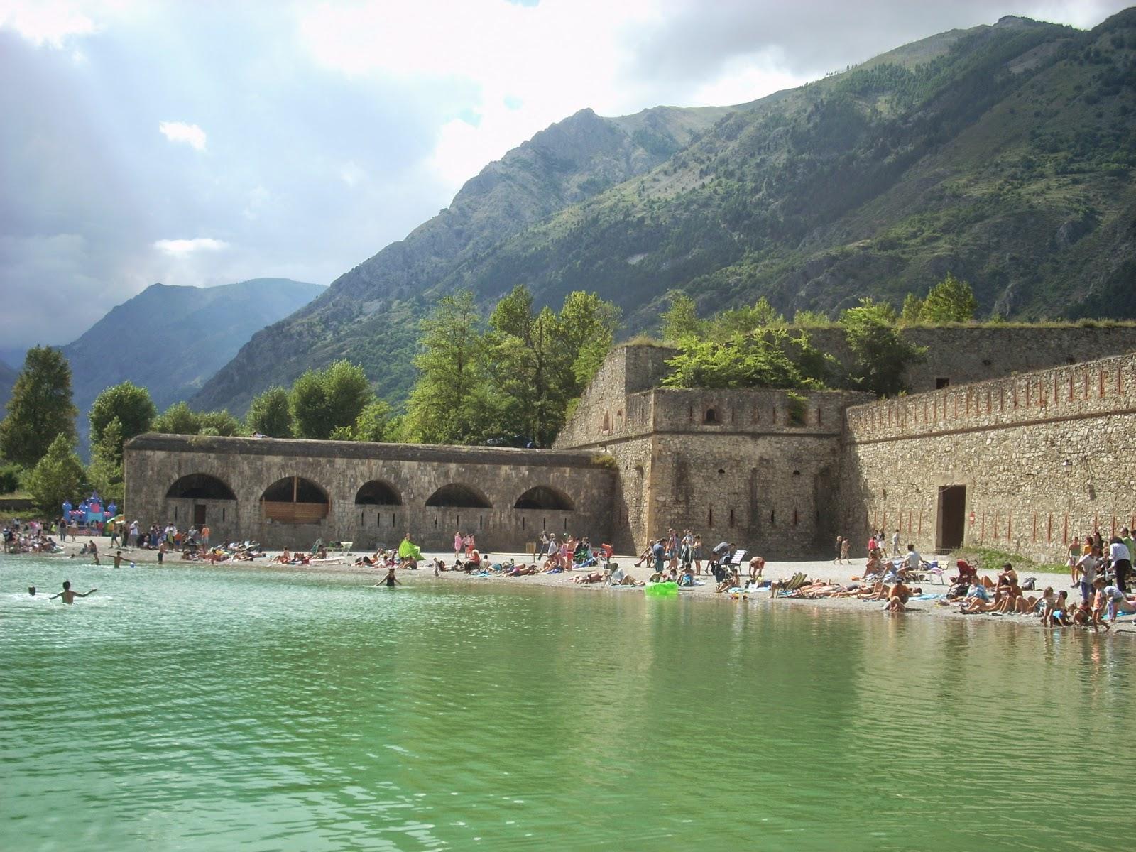 Cuneo e dintorni lago artificiale piscina di vinadio for Piscina cuneo