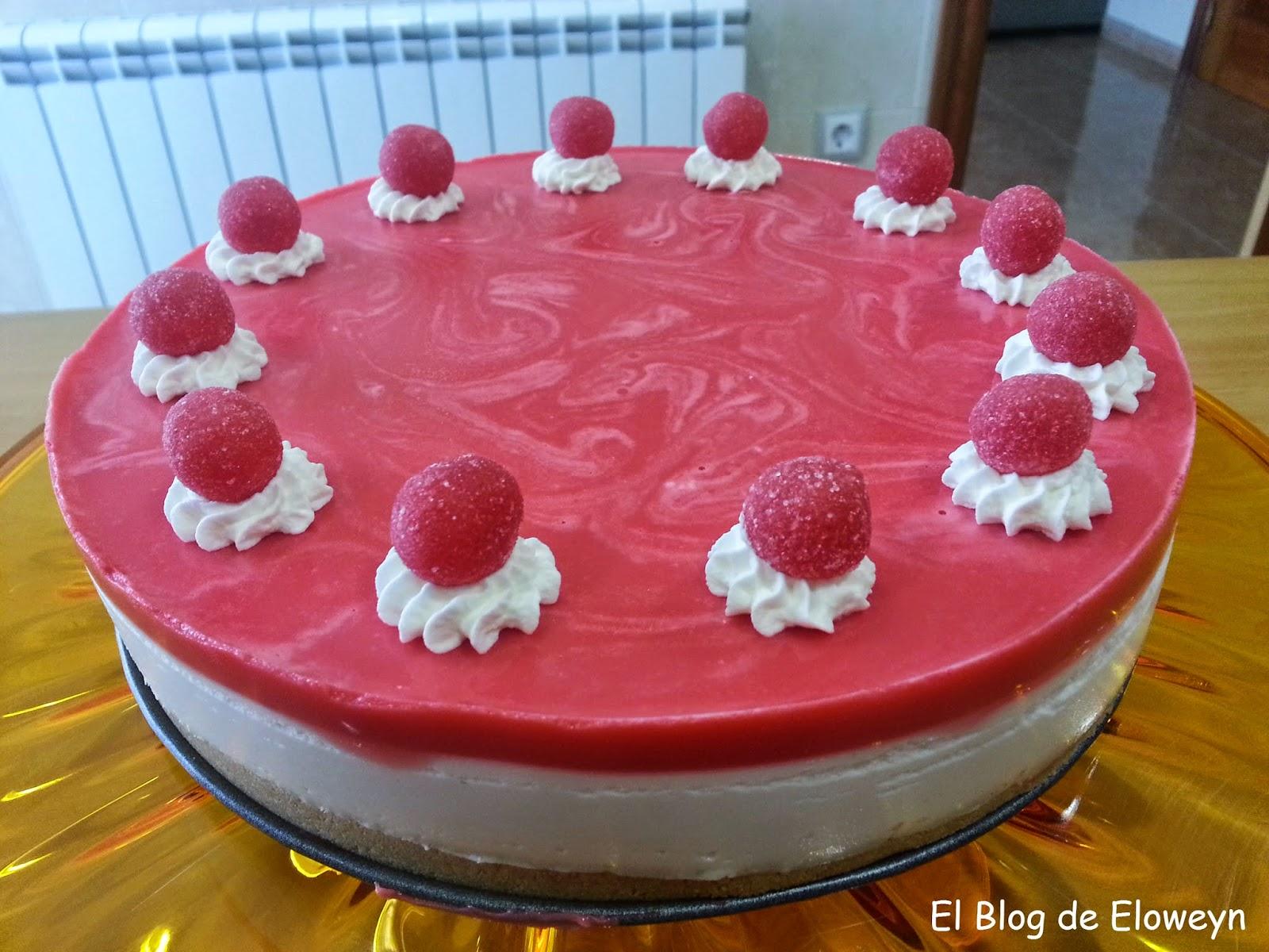 Tarta de caramelos pikotas (con sabor a piruleta de fresa)