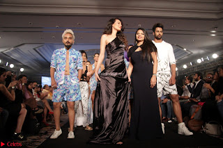 Manjari Phadnis, Meenakshi Dixit, Dipannita Sharma At Designer Nidhi Munim Summer Collection Fashion Week 18th March 2017 (2).JPG