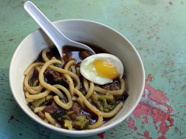 Noodles that make carbs feel good (Fancied up Ya Ka mein)
