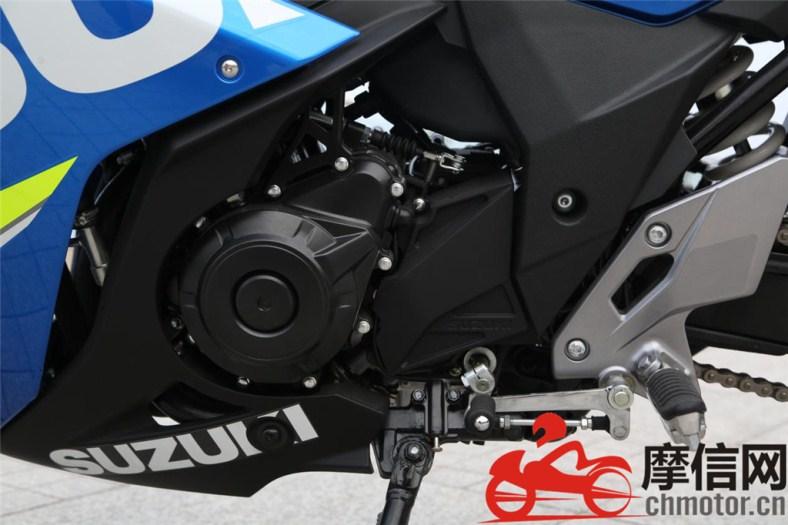 Ini dia beberapa foto detail Suzuki GSX 250R yang sudah dirilis di Cina . . ganteng maksimal sob !