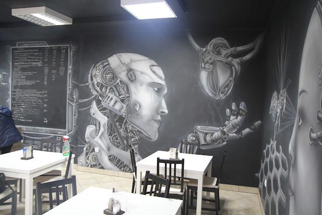 Malowidło ścienne w kawiarni, robot, biomechanika w klubie, mural czarnobiały