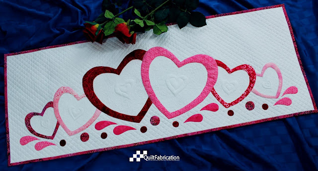Love Abounds table runner