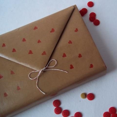 natal-presente-embalagem-papel-craft-coracao