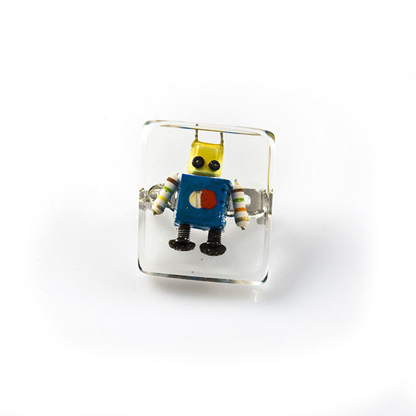 Anillo con un robot
