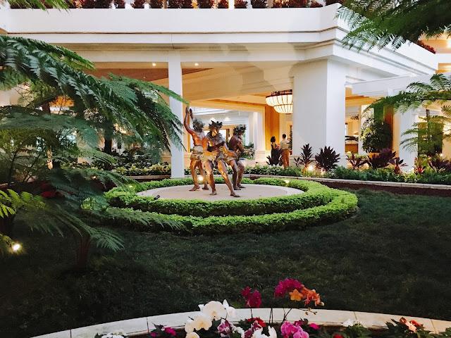 Grand Wailea lobby statues