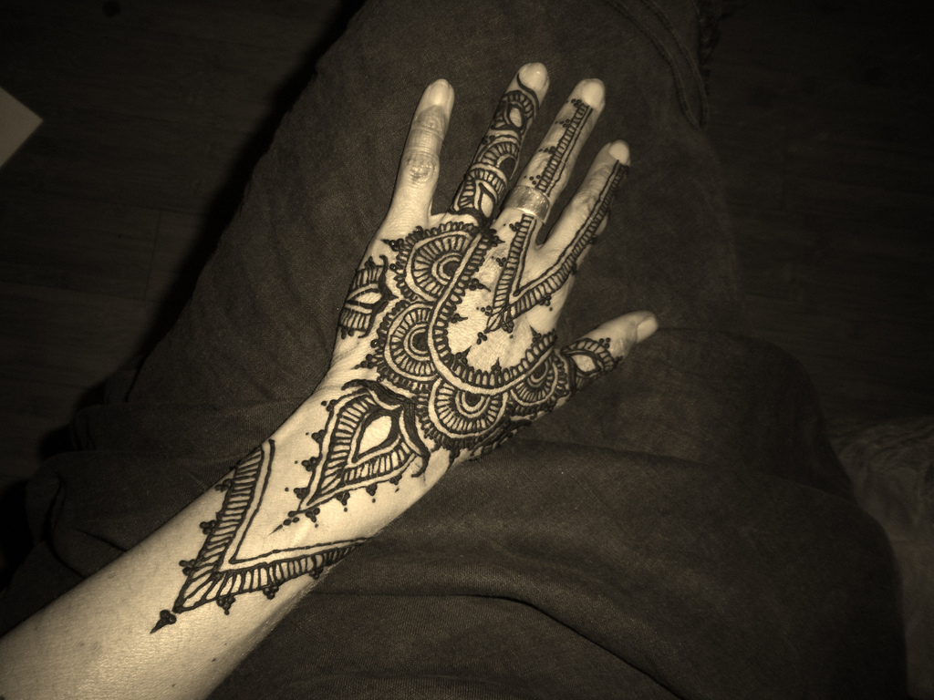 Arabic Mehndi Design For Men: Arabic Henna Designs For Hands