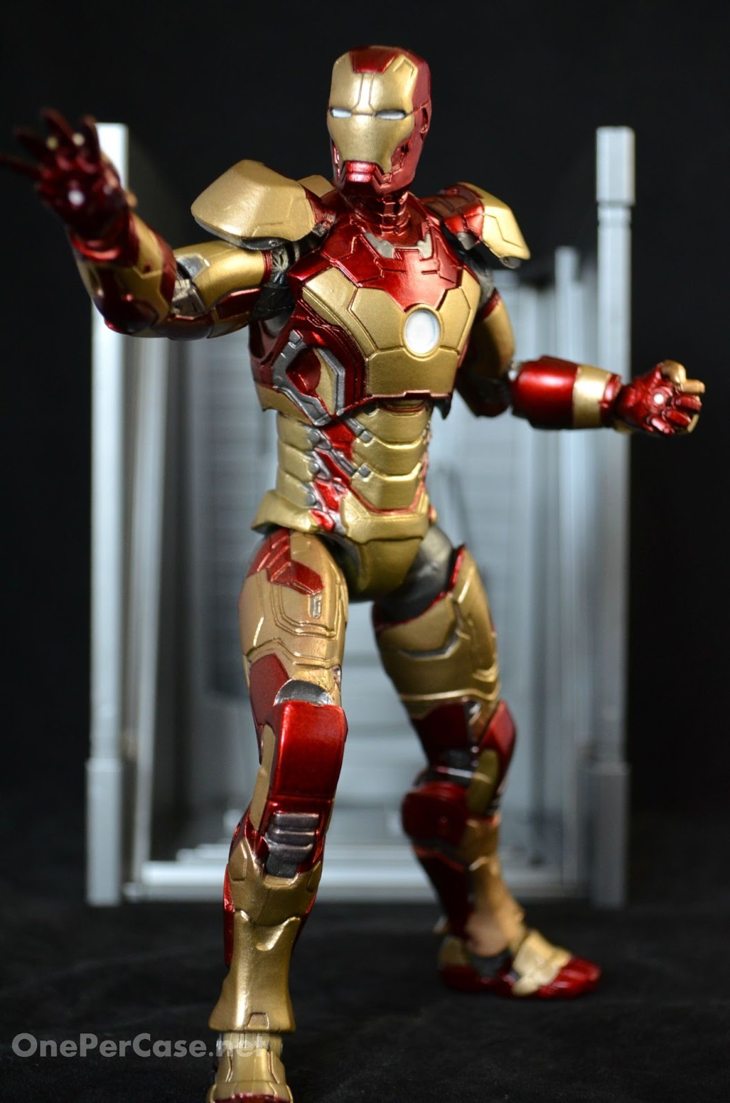 One Per Case: Marvel Select Iron Man 3 - Mark XLII Armor
