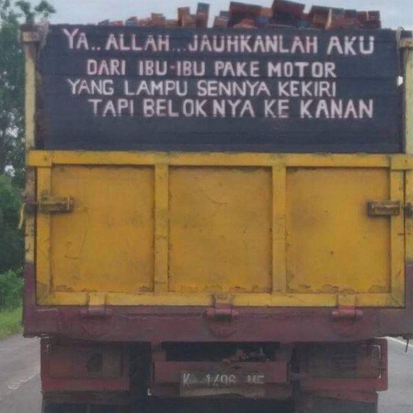 Tulisan Drama di Belakang Truck Lucu Kocak 1