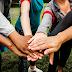 Programa de voluntariado atrai jovens que, além de estudar, dedicam parte do seu tempo ao próximo