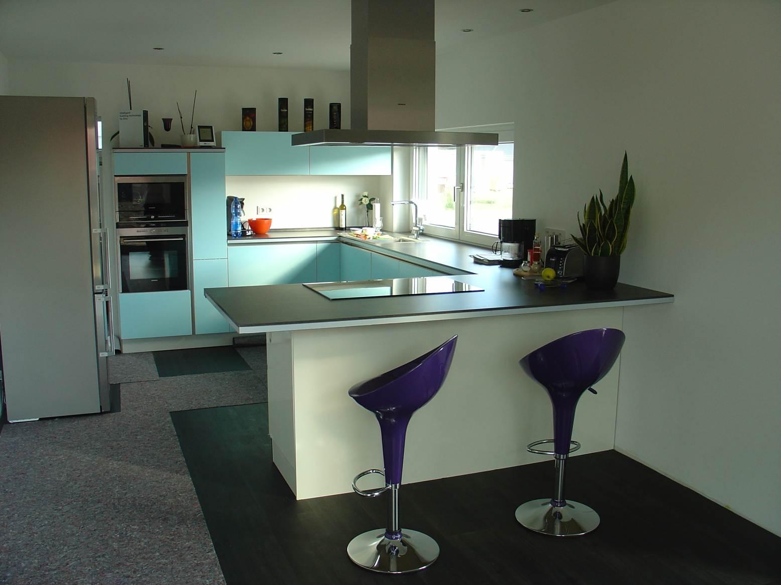 ich baue ein haus bautagebuch farbwechsel an der k chenfront. Black Bedroom Furniture Sets. Home Design Ideas