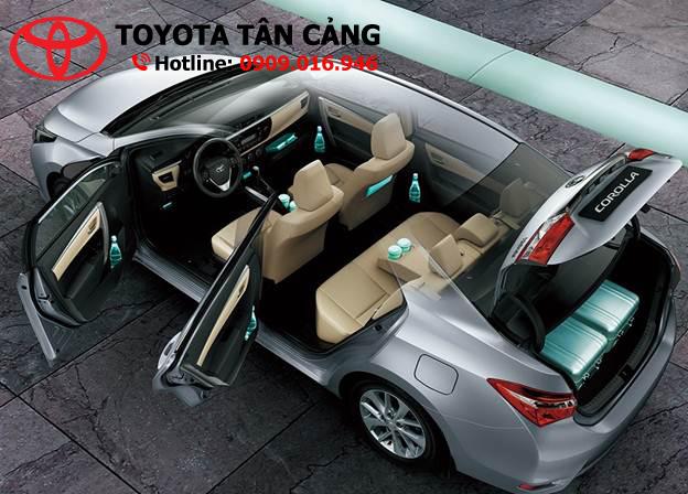 Toyota đã rất chịu chơi khi trang bị cho Corolla Altis 2015 nhiều tiện ích hiện đại