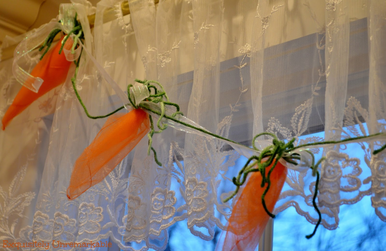 How To Make A Carrot And Ribbon Tulle Garland