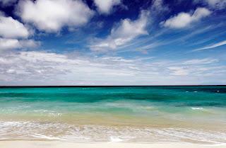 Keindahan Pantai Dreamland Bali