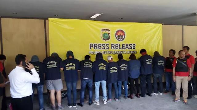LGBT Ngundang Bencana, FPI Siap Bantu Pak Polisi Sweeping Kaum Gay Jelang Ramadan