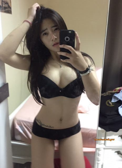 iLIZhjZjIRQ wm - Beautiful Thai girl from a sexy selfie before being naked 2020