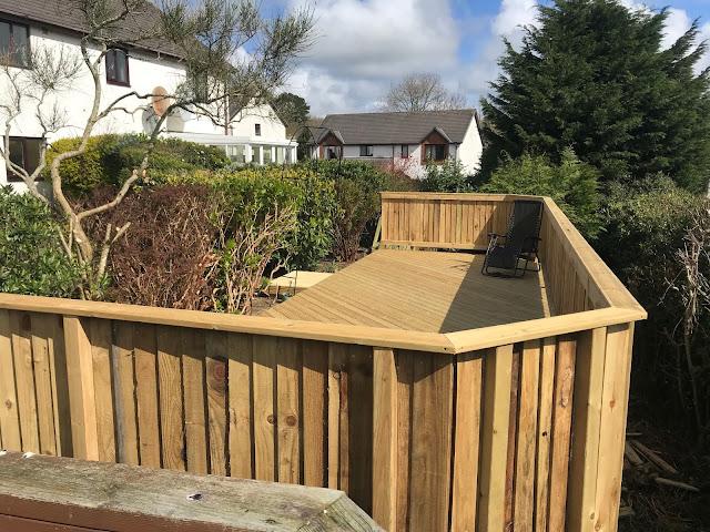 garden slope decking Aberystwyth