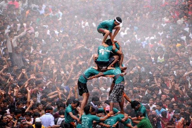 Making Pyramid of Humans for breaking the Dahi Handi