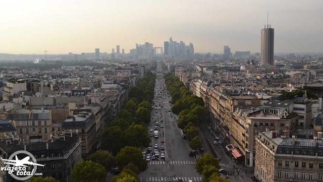 Arco del triunfo de París - La Défense