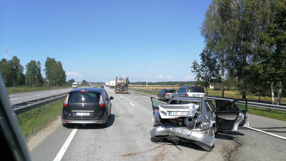 Avārija uz šosejas A7
