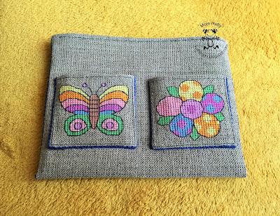 Kolorowy motyl i kwiat