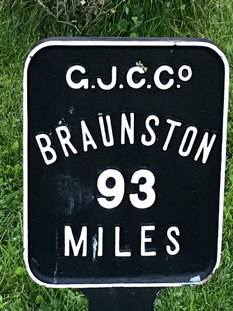 Mile post for Braunston